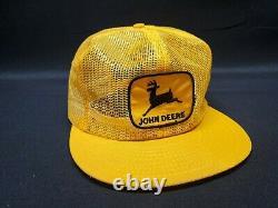 Vintage JOHN DEERE Full Mesh Louisville Mfg SnapBack Trucker Hat Cap Patch USA
