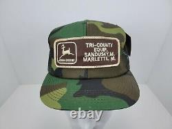Vintage Camo John Deere Mesh Trucker Hat Snapback Hat Baseball Cap USA Made. Nouveau